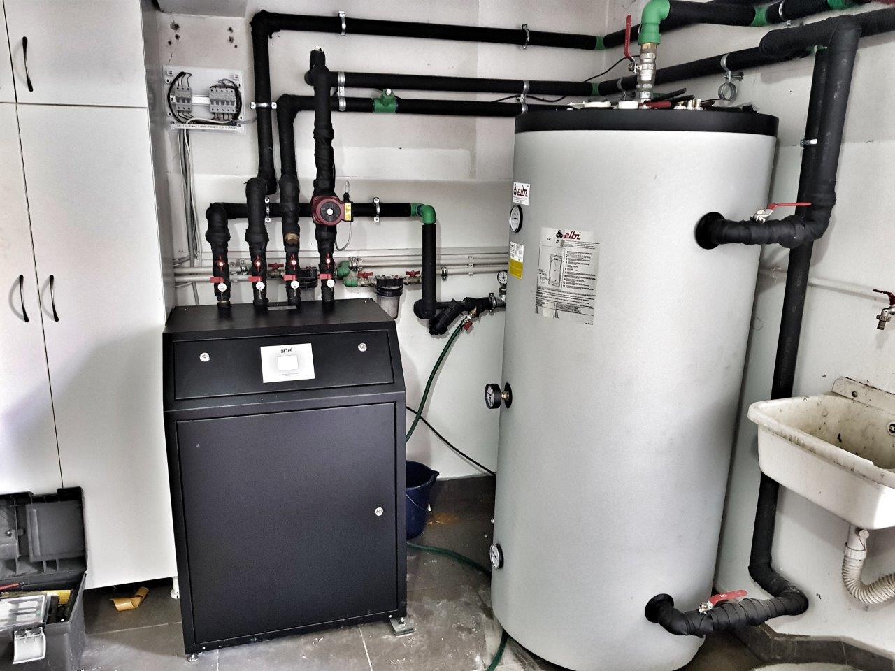 Toplotna-pumpa-ARTEL-HP-16HC-HT-u-tehnickom-prosotru