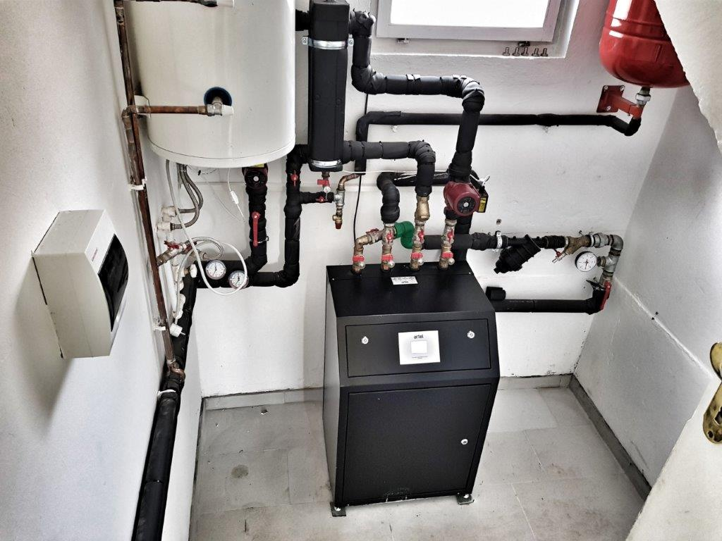 toplotna pumpa voda-voda ARTEL HP-12H High T